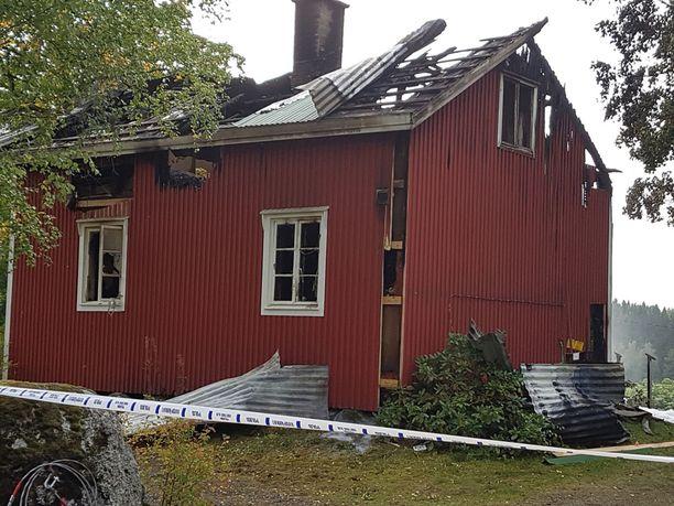 Iäkäs nainen löytyi kuolleena palaneen talon sisältä elokuussa.
