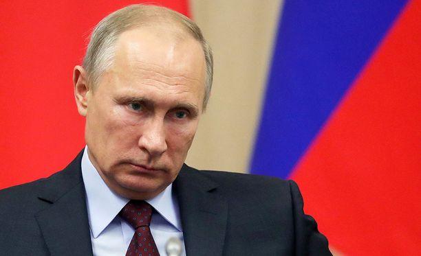 Vladimir Putin otti uhrin roolin.
