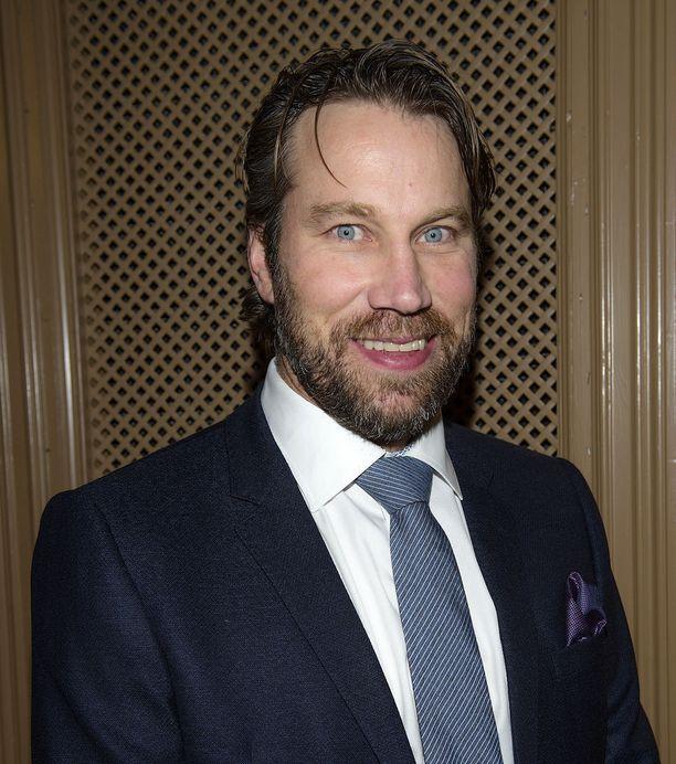 """Yllätyskekkereissä oli mukana myös ex-jääkiekkoilija Peter """"Fobba"""" Forsberg."""