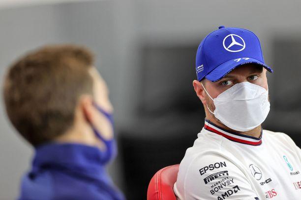 Valtteri Bottas ja George Russell haluavat ajaa ensi kaudella Mersulla.
