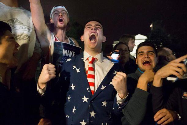 Trumpin kannattajat riemuitsevat tämän voittokulkua.