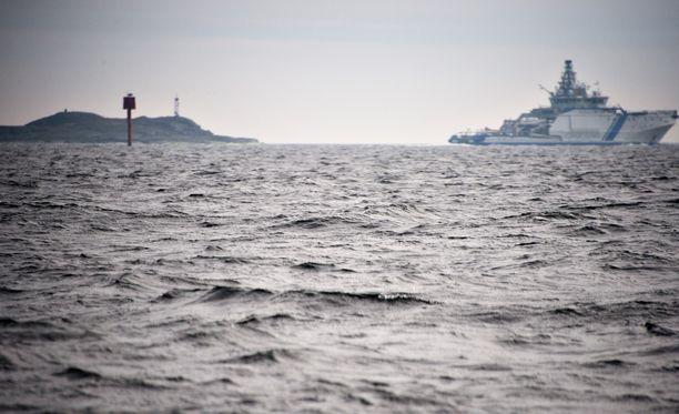 Suomessa ja Ruotsissa on koettu sukellusvenejahdit viimeisen vuoden aikana. Kuva Helsingin edustalta huhtikuussa.