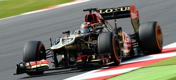 Kimi Räikkönen jatkaa paalupaikan jahtaamista aika-ajojen kolmannessa osiossa.