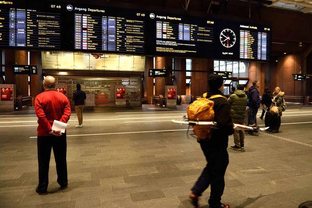 Kaaoksen vuoksi metrojen aikataulut ovat olleet sekaisin.