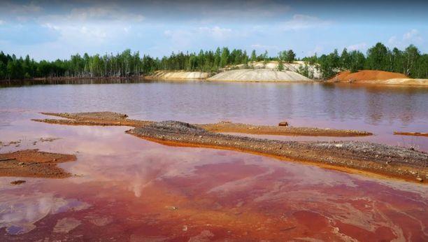 Järvi on tappavan saastunut.