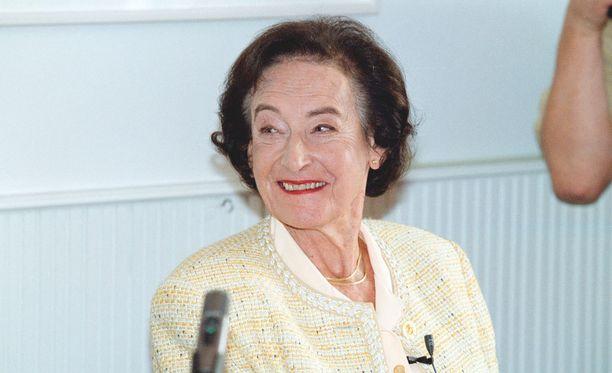 Anita Hallama kuvattuna vuonna 2001.