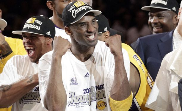 Kobe Bryant valittiin pudotuspelien arvokkaimmaksi pelaajaksi.