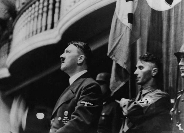 Hitler puhui Bürgerbräukeller-oluttuvassa 8. marraskuuta 1939, mutta poistui paikalta 13 minuuttia ennen pommin räjähtämistä.