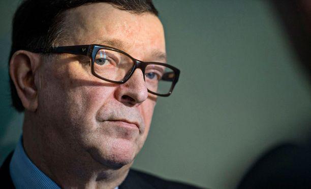 Presidentti Niinistö antoi Väyrysen mielestä Kultaranta-keskustelujen yhteydessä erikoisia lausuntoja.