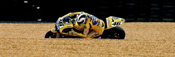 Rossi kyntää jatkossakin kaksipyöräisillä.