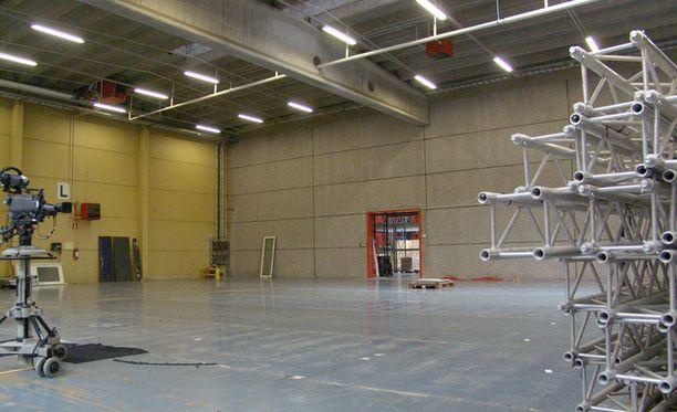 Tähän nousee studio, josta lähetetään Big Brotherin suora talk show.
