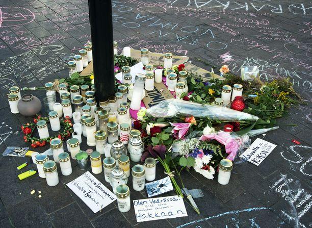Uusnatsi pahoinpiteli mielenosoitusta arvostelleen miehen Helsingin päärautatieasemalla syksyllä 2016. Mies kuoli vammoihinsa.