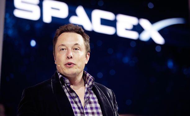 Elon Musk SpaceX-yhtiön lehdistötilaisuudessa 2014.