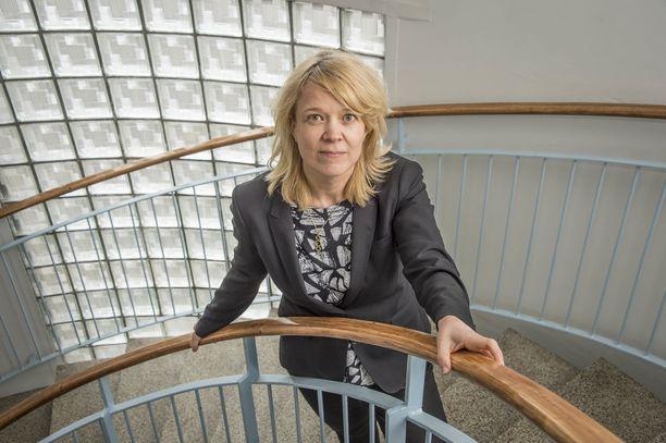 Kartellin perustaminen on Suomessa laitonta, muttei rikos. Kilpailu- ja kuluttajaviraston pääjohtaja Kirsi Leivon mielestä se pitäisi kriminalisoida.