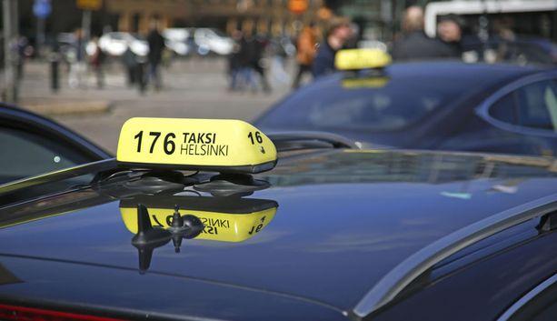 Moni takseihin liittyvä säädös muuttuu 1.7.2018, kun taksiliikenne vapautuu kilpailulle.
