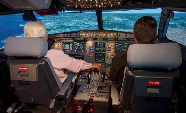 Arkistokuva Airbus A320 -koneen simulaattorista.