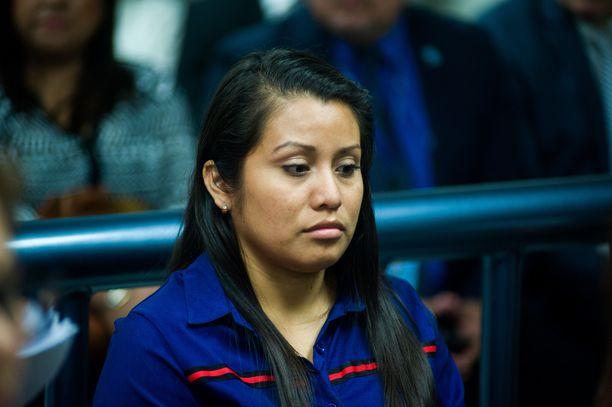 Evelyn Hernández kertoo tulleensa toistuvasti raiskatuksi.