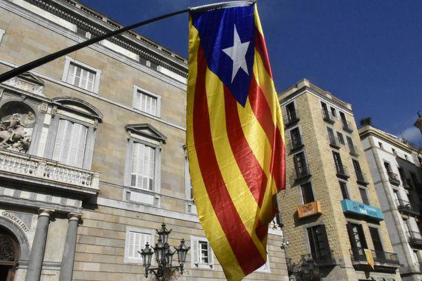Estelada eli niin sanottu tähtiversio Katalonian lipusta on käytössä alueen itsenäisyyttä kannattavien keskuudessa.