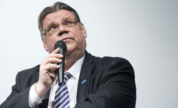 Timo Soini kertoi sunnuntaisesssa blogikirjoituksessaan, ettei lähde enää tavoittelemaan perussuomalaisten puheenjohtajuutta.