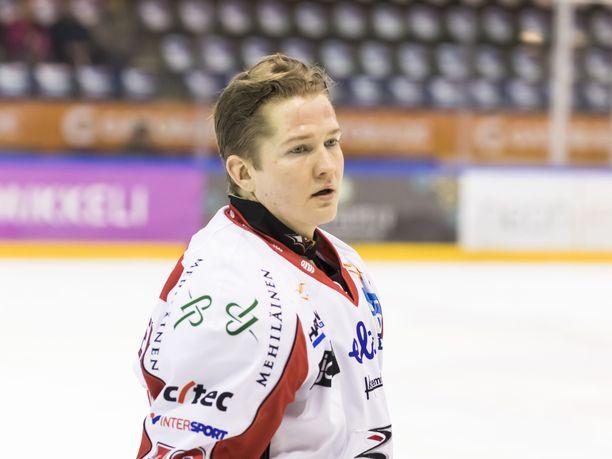 Joonas Komulaisen aika Vaasan Sportissa oli loukkaantumisten takia rikkonainen.