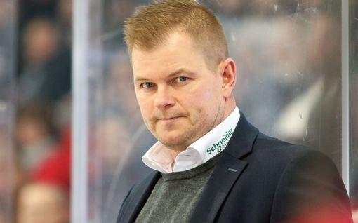 """""""Voitettiin 7–2 ja pelaaja huusi vittua"""" – potkut saanut SM-liigavalmentaja kertoo avoimesti kauden alussa tulleesta hälytysmerkistä"""