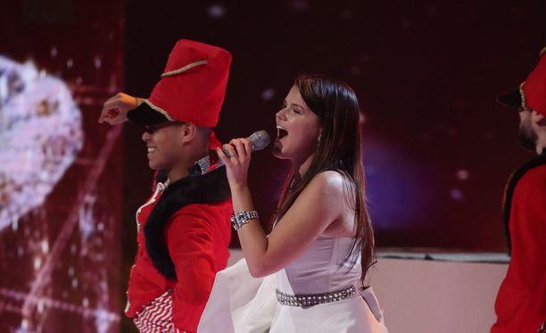 Saara Aalto on suosikki X Factor -laulukilpailun voittajaksi.