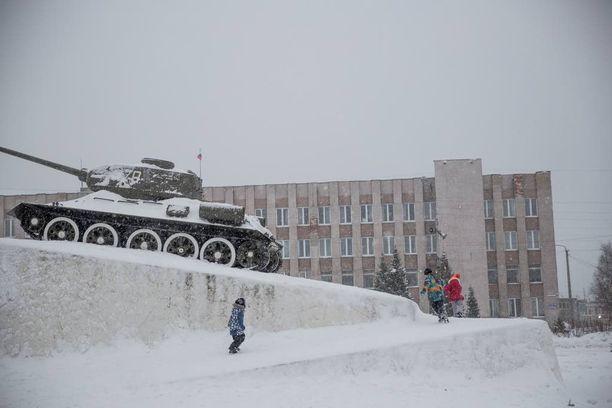 Kantalahden kaupunki Venäjällä on tyhjentynyt Suomeen matkalla olleista pakolaisista.