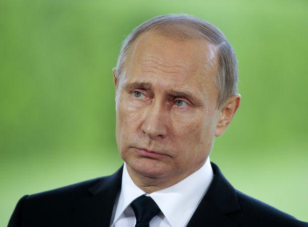 Venäjän presidentti Vladimir Putin teki selväksi Suomen-vierailullaan kesällä 2016, että Venäjä reagoisi, jos Suomi liittyisi sotilasliitto Natoon. Hän myös painotti, ettei Suomen tarvitse olla Venäjästä huolissaan.