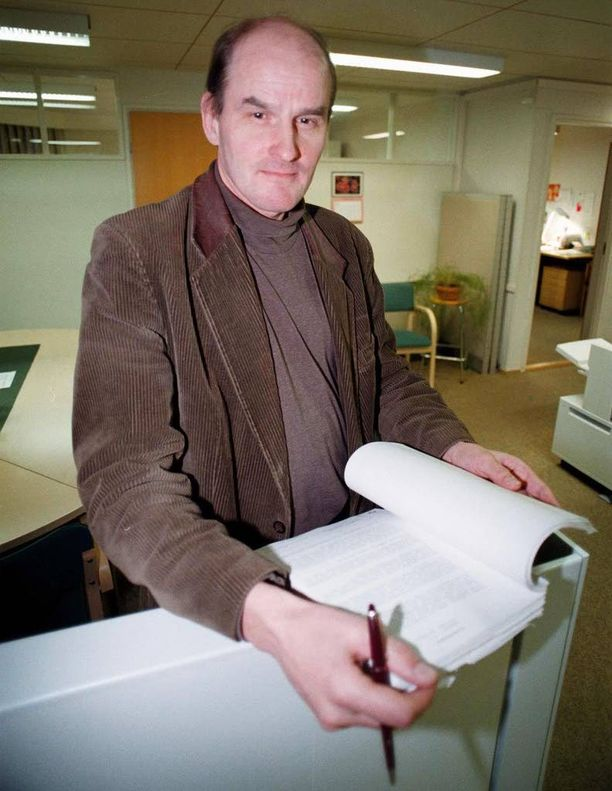 Rikosoikeuden professori Matti Tolvanen muistuttaa, että toisen kuvaaminen salaa sisätiloissa on laissa kiellettyä.