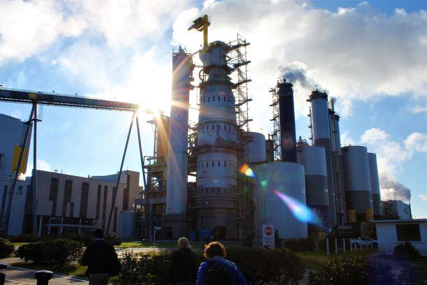 UPM:n 11 vuotta toiminut tehdas Fray Bentosissa lukeutuu maailman suurimpiin sellutehtaisiin.