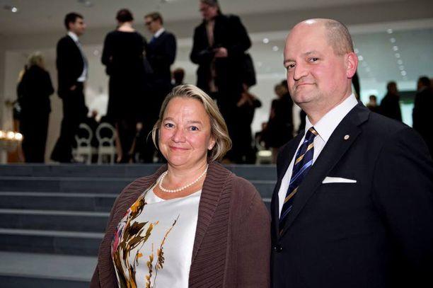 Tuija Braxin johdolla tämän vaalikauden toiminut tarkastusvaliokunta tuo harmaan talouden vielä ennen vaaleja eduskunnan käsittelyyn.