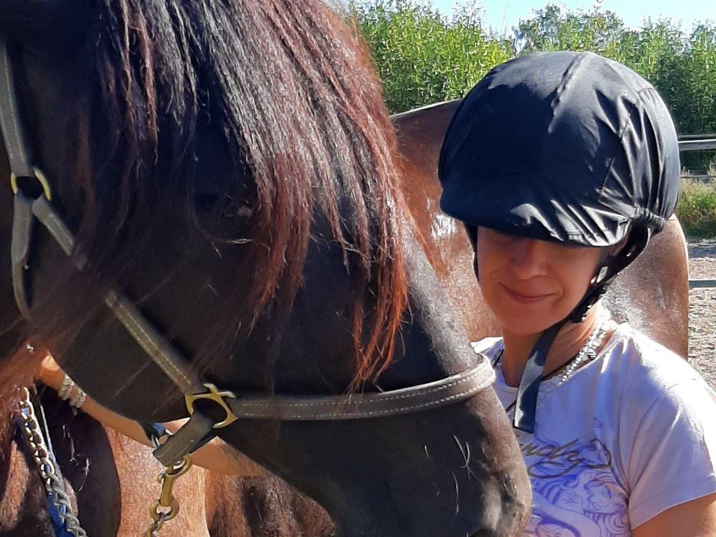 Vaikeina päivinä eläimet hoitavat ihmistä, sanoo Reetta Ristimäki.