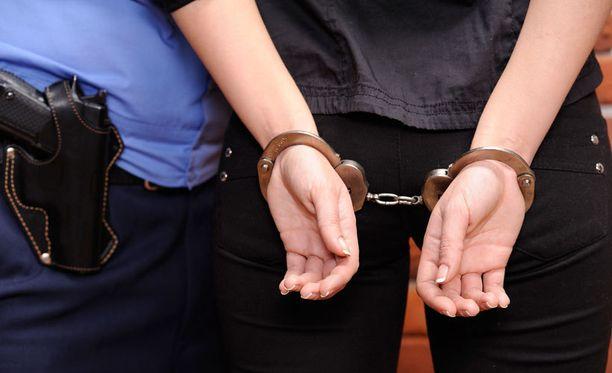Rahanpuute estää rikosepäilyjen tutkimista.