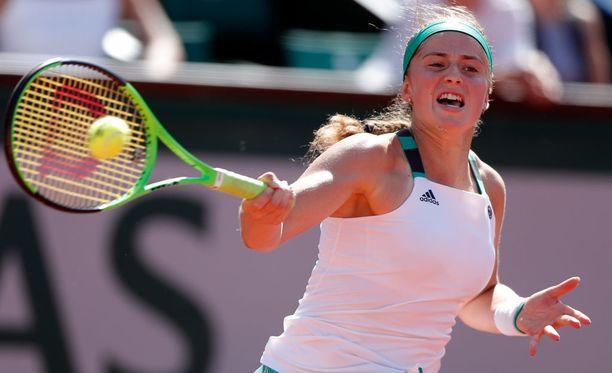 Jelena Ostapenko pelaa Ranskan avointen finaalissa.