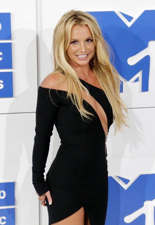 Britney Spears on ollut useita viikkoja hoidossa, eikä kukaan tiedä kuinka tähti voi.