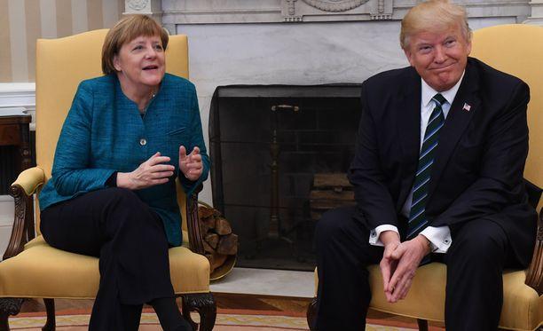 Yhdysvaltain presidentti Donald Trump tapasi perjantaina Saksan liittokansleri Angela Merkelin.