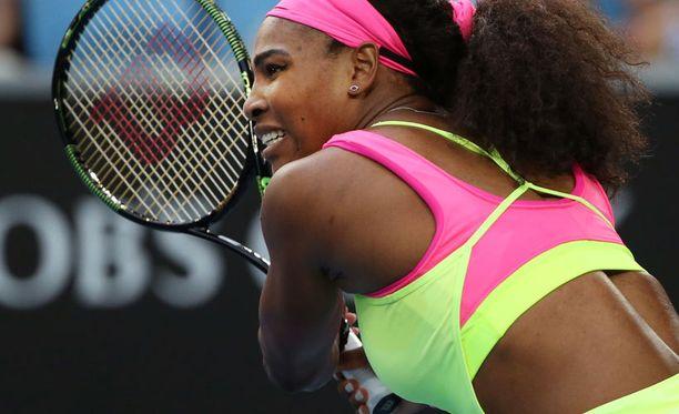Serena Williamsin uusi asu paljastaa alaselän kokonaan.
