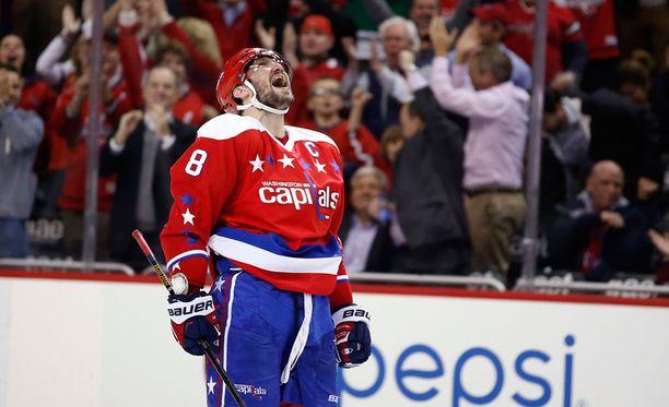 Aleksandr Ovetshkin johtaa NHL:n maalipörssiä 42 kaapilla.