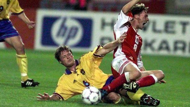 Stefan Schwartz oli 1990-luvulla Ruotsin jalkapallomaajoukkueen tähtipelaajia.