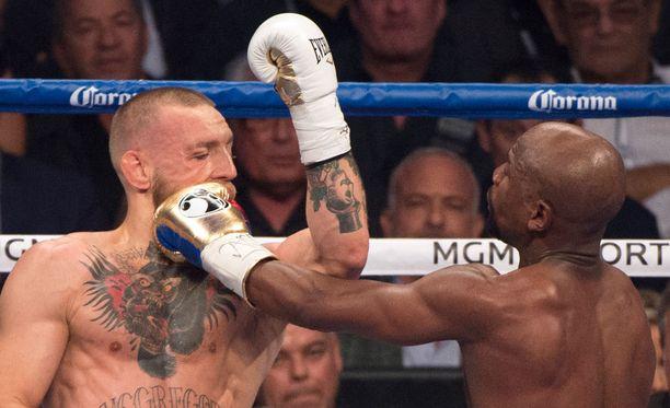 Conor McGregor sai vastustajansa nyrkistä 170 kertaa.
