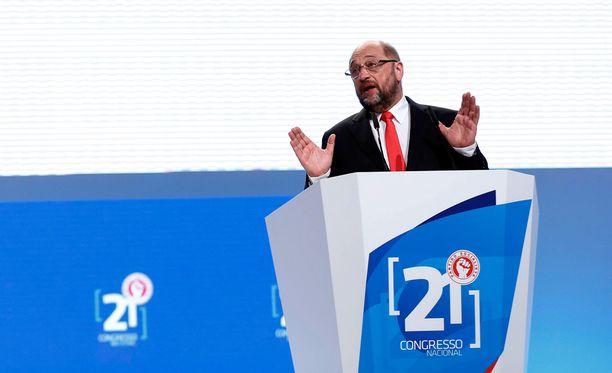 Martin Schulz mielestä oikea hetki prosessin aloittamiseen olisi tiistaina.
