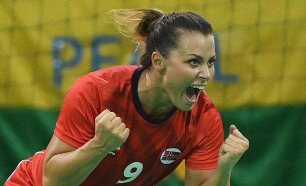 Nora Mørk kuuluu Norjan käsipallon tähtikaartiin: Palkintokaapissa on muun muassa MM-kulta, EM-kulta, olympiapronssi ja Mestarien liigan voitto.
