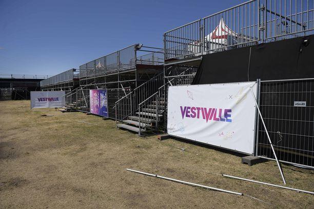 Pormestari ei antanut festivaalille aloituslupaa nähtyään puutteelliset rakenteet.