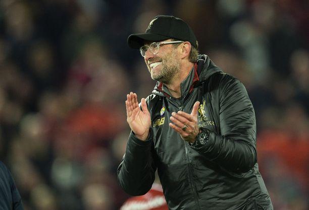 Jürgen Klopp uskoo Liverpoolin vielä selviävän pinteestä ja jatkavan Mestarien liigan 16 parhaan joukkoon.