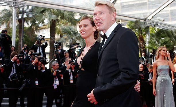 Mika Häkkinen ja Marketa Remesova osallistuivat Cannesin elokuvajuhlille.
