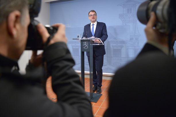 Pääministeri pyysi hallituksen eroa perjantaiaamuna. Kuva Sipilän tiedotustilaisuudesta.