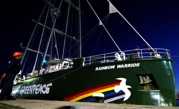 Greenpeacen Raimbow Warrior -alus kuvattiin Bulgariassa vuonna 2014.