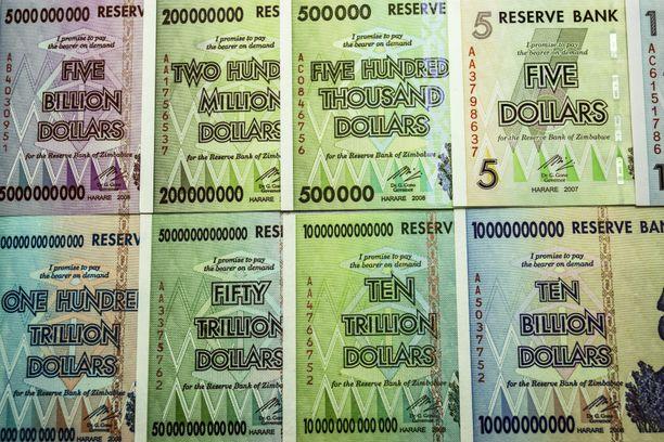 Vuonna 2008 Zimbabwen dollarin arvo syöksyi alas nopeasti.