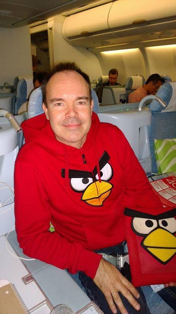 Rovion Peter Vesterbacka palasi juuri New Yorkista Finnairin ykkösluokassa uudessa hupparissa. Miehellä oli hyviä kasvusuunnitelmia mukanaan.