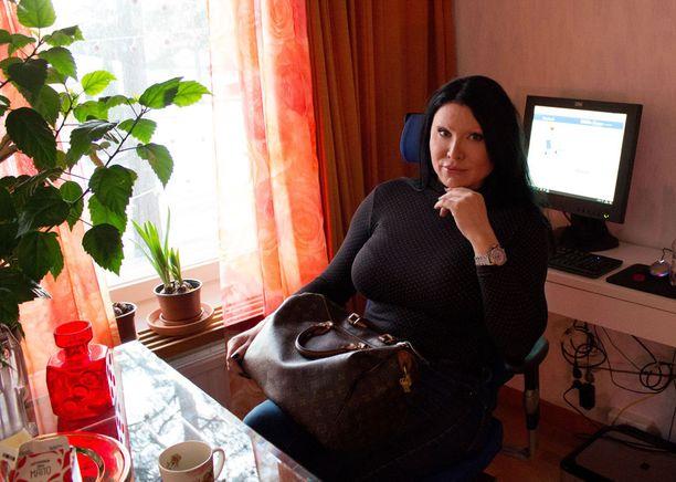 Diana on paininut ammatikseen ympäri maailman ja asunut Las Vegasissakin ennen Suomeen paluutaan.